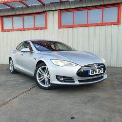 Tesla Model S 85 - 1