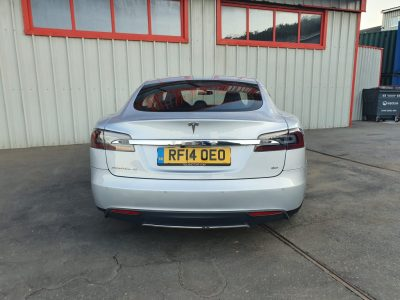 Tesla Model S 85 - 10