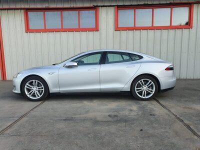 Tesla Model S 85 - 3