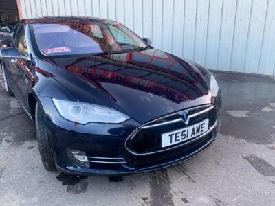 Tesla Model S 85 - AWE-1